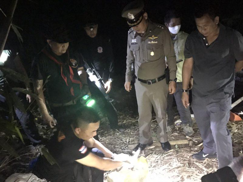 เชียงใหม่.  ทหารพรานลาดตระเวนพบขบวนการลักลอบขนยาเสพติดยาบ้าผงขาวฝิ่นดิบ