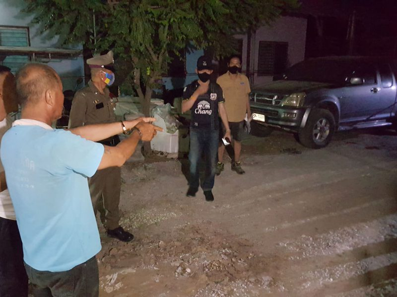 สุพรรณบุรี  พี่ชายวัย60กระหน่ำยิงผู้ใหญ่บ้านน้องชายร่วมสายโลหิตดับปมขัดแย้งที่ดิน