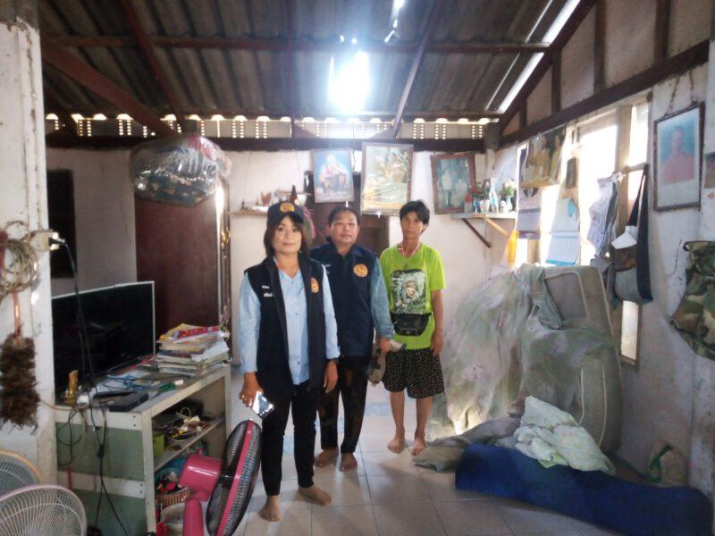 สิงห์บุรี  อำเภอบางระจันสั่งตรวจสอบความเสียหายบ้านเรือนที่โดนพายุ