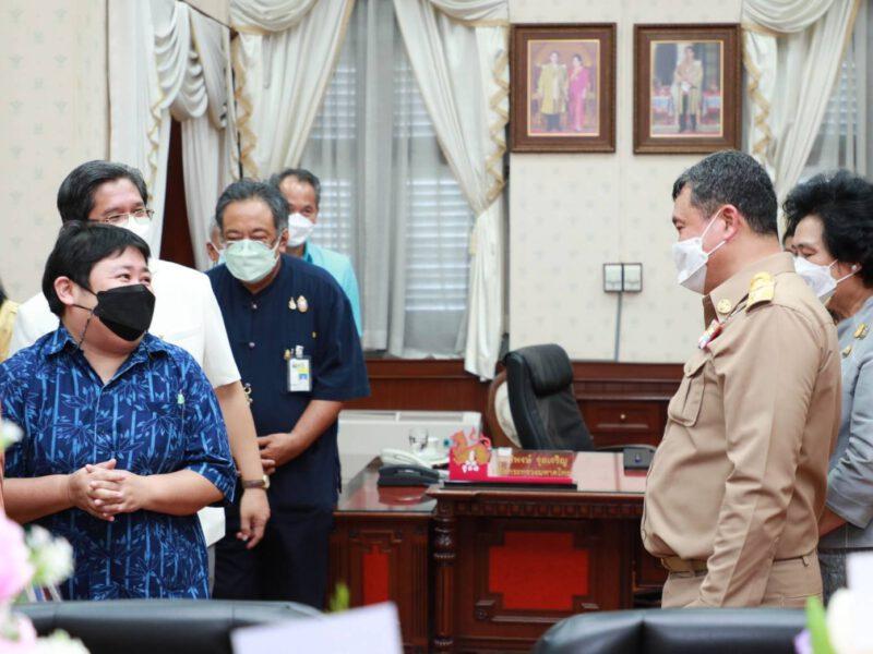 ผู้อำนวยการกองสาธารณสุขท้องถิ่น ร่วมแสดงความยินดีและให้การต้อนรับปลัดกระทรวงมหาดไทย